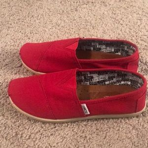 Classic Toms Canvas Slip-On